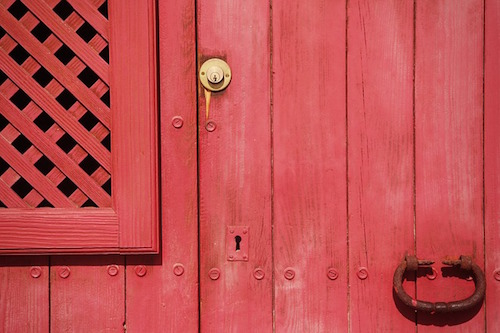 red door small