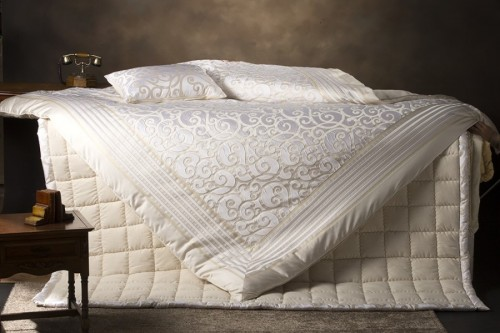 cream bedding