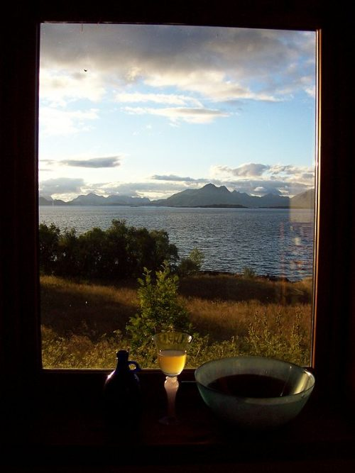 View_through_the_window_(Breivik)_-_panoramio
